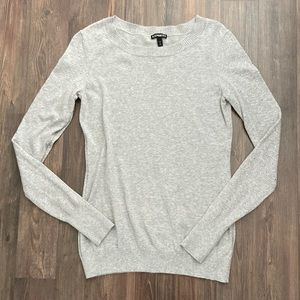 Express Sweater with details on sleeves